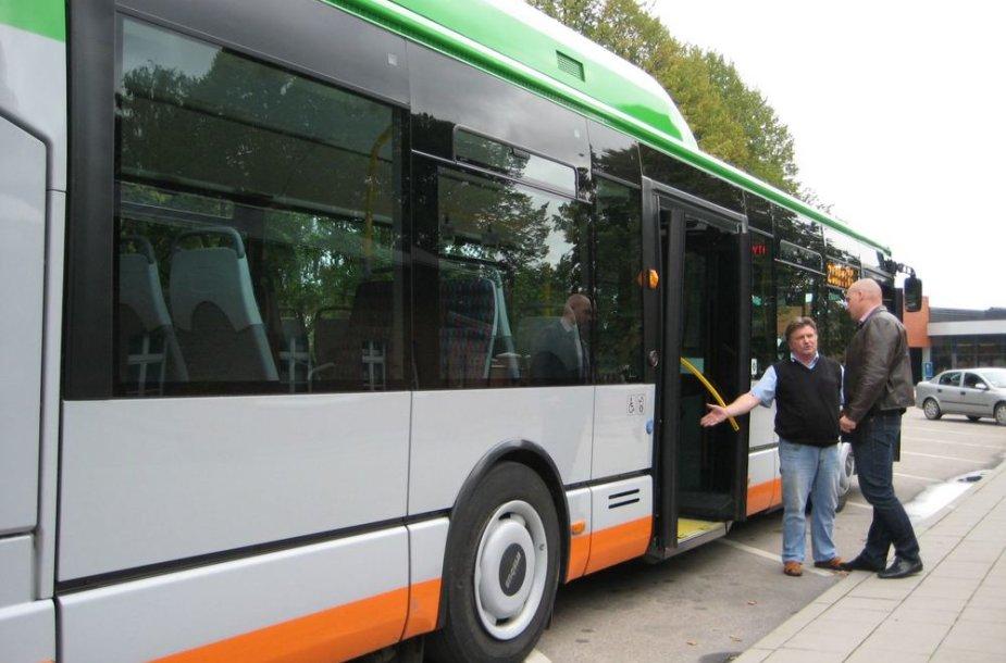 """""""Iveco"""" autobusai varomi dujomis."""