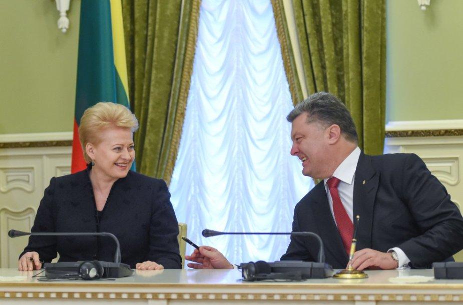 Lietuvos Respublikos Prezidentė Dalia Grybauskaitė su Ukrainos Prezidentu Petro Porošenka Kijeve.