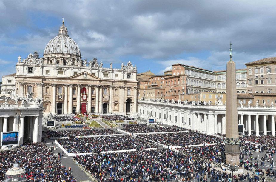 Šv. Petro aikštė Vatikane