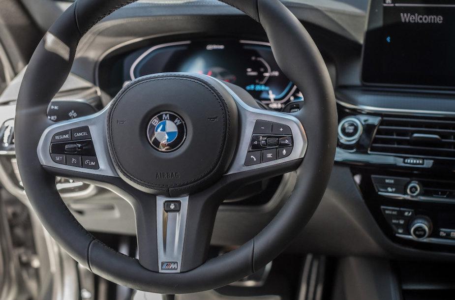 Vilniuje pristatytas atnaujintas septintos kartos BMW 5
