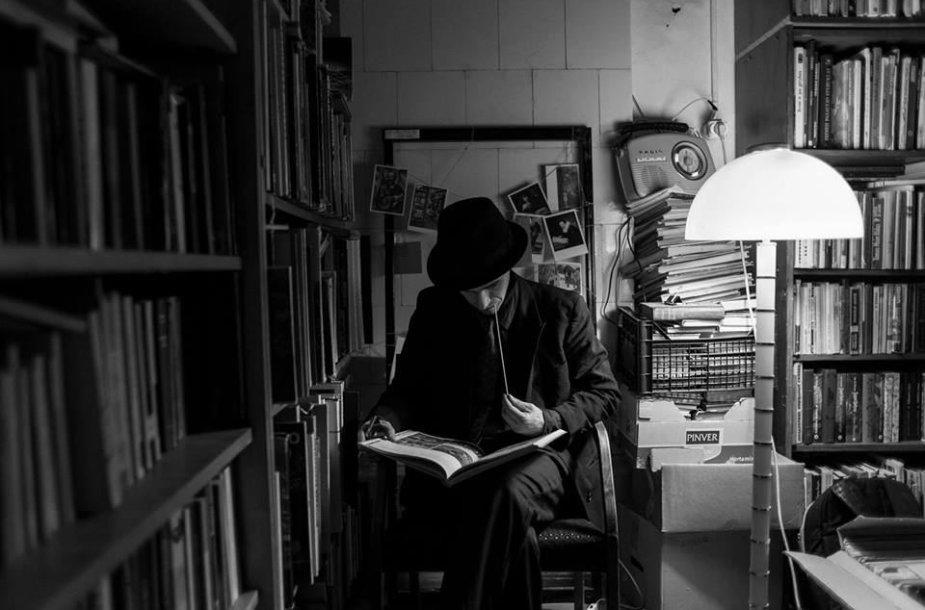 """Biblioteka """"Juodas šuo"""""""
