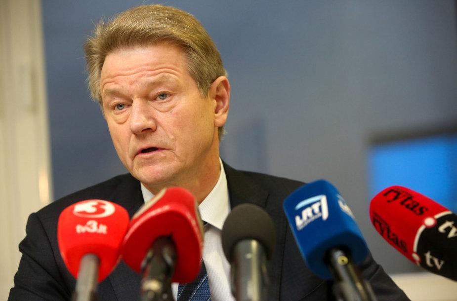Iš Maskvos grįžęs Rolandas Paksas surengė spaudos konferenciją