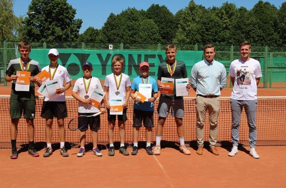 Lietuvos keturiolikmečių teniso čempionato prizininkai
