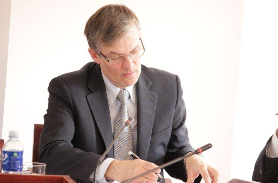 Seimo Teisės ir teisėtvarkos komiteto pirmininkas Julius Sabatauskas.
