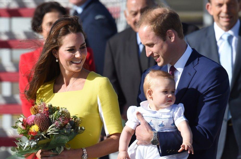 Princas Williamas ir Kembridžo hercogienė Catherine su sūnumi George'u