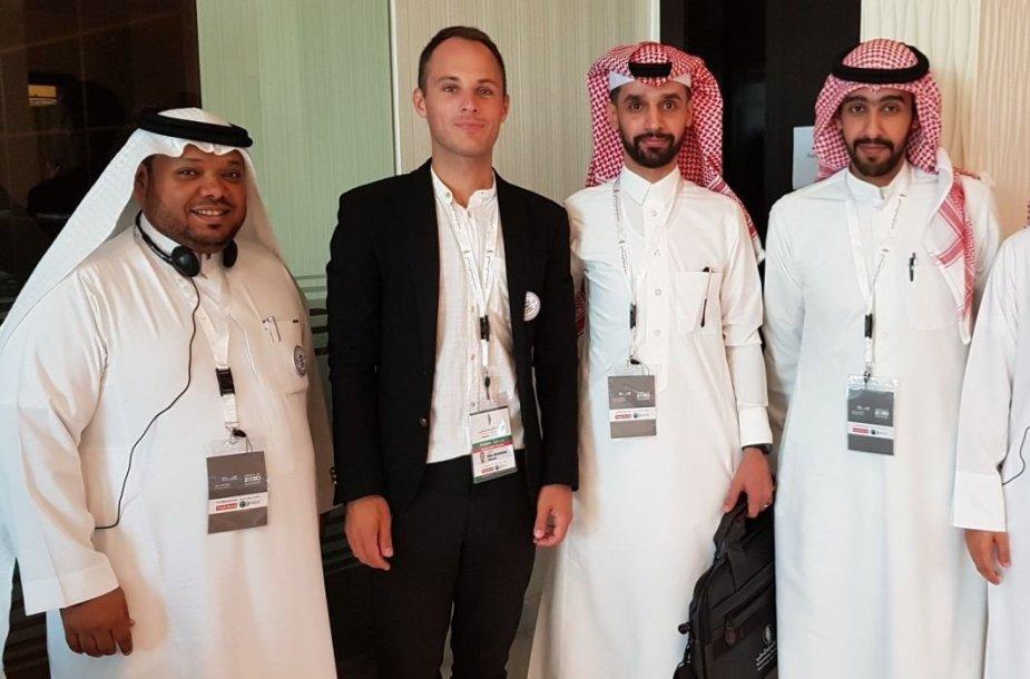 Tarptautiniame mokytojų forume JAE. Po praktinių dirbtuvių Saudo Arabijos mokytojams