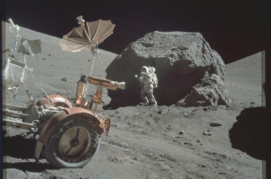 """""""Apollo"""" astronautų daryta nuotrauka"""