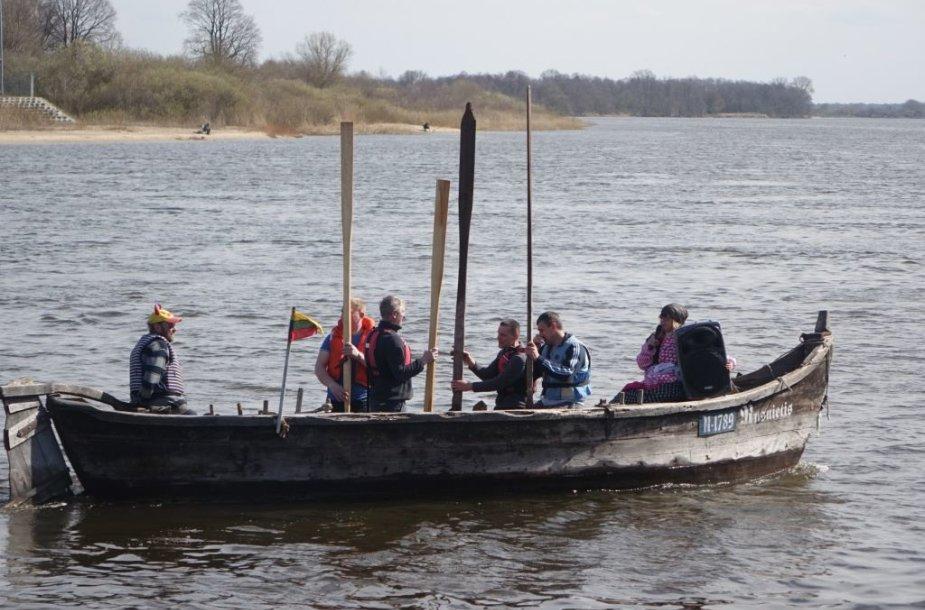Rusnės saloje siautėjo pavasariškiausia šventė – Šaktarpis