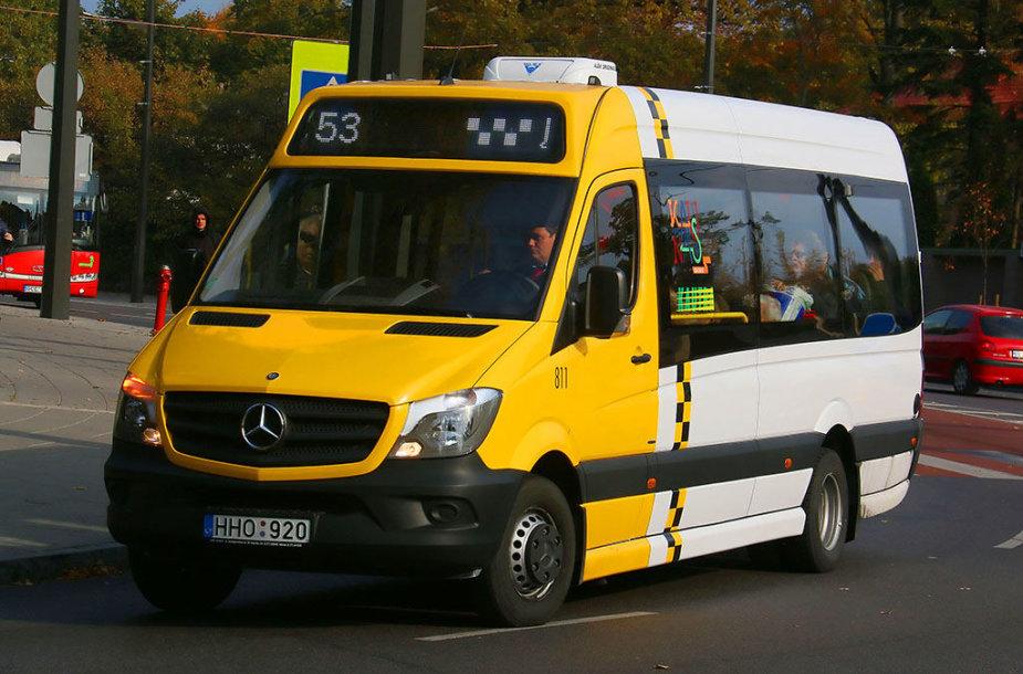 """Nuo šios savaitės pradžios miesto gatvėse pasirodė dar daugiau naujųjų mikroautobusų """"Mercedes Benz Sprinter"""""""