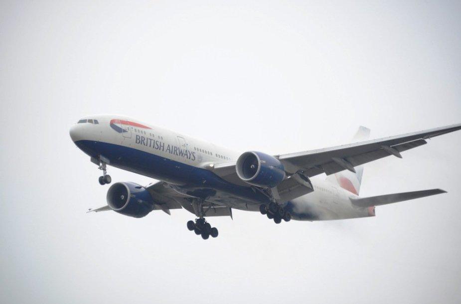 """Dėl technikų aplaidumo ore užsidegė """"British Airways"""" kompanijos lėktuvas."""