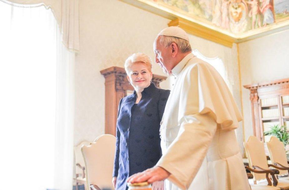 2015-10-29 Dalia Grybauskaitė Vatikane susitinka su Popiežiumi Pranciškumi
