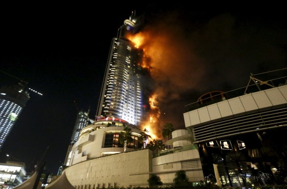 Dubajuje degė viešbutis