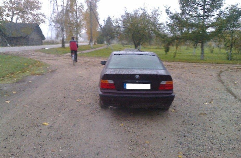 Kėdainių rajone rastas pabėgęs iš avarijos vietos BMW