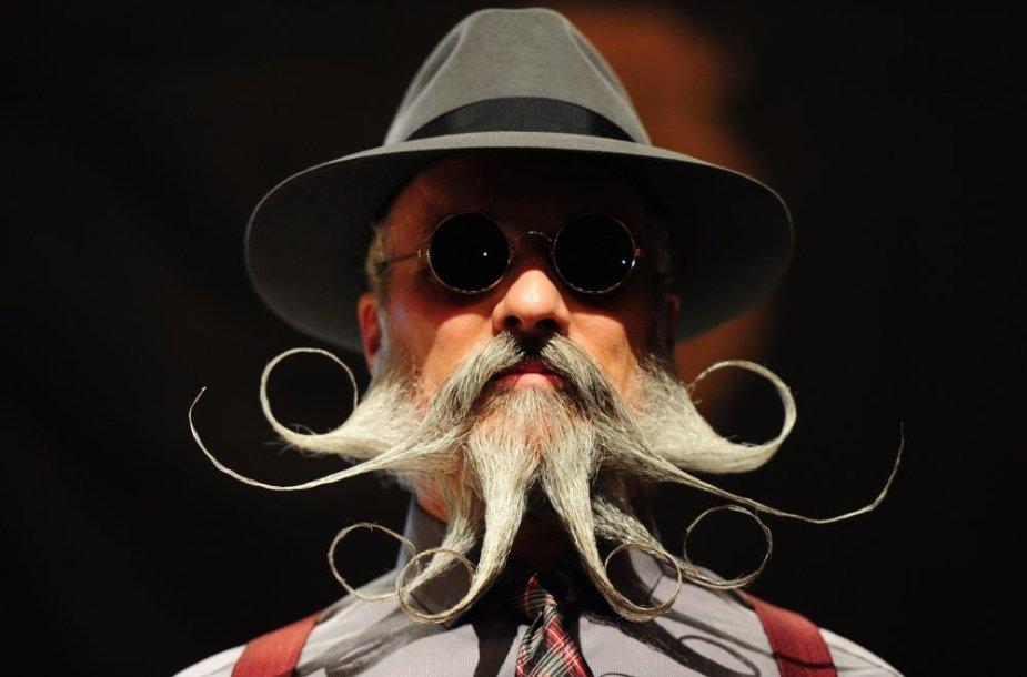 Barzdų ir ūsų čempionato dalyvis