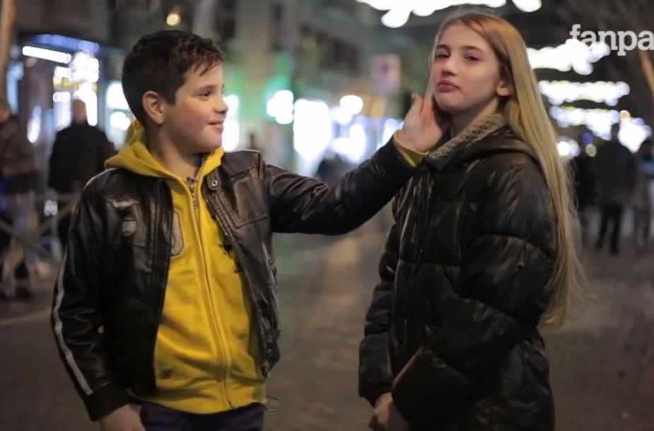 Socialinis eksperimentas parodė, kaip elgiasi berniukai, kai jų paprašoma trenkti mergaitei