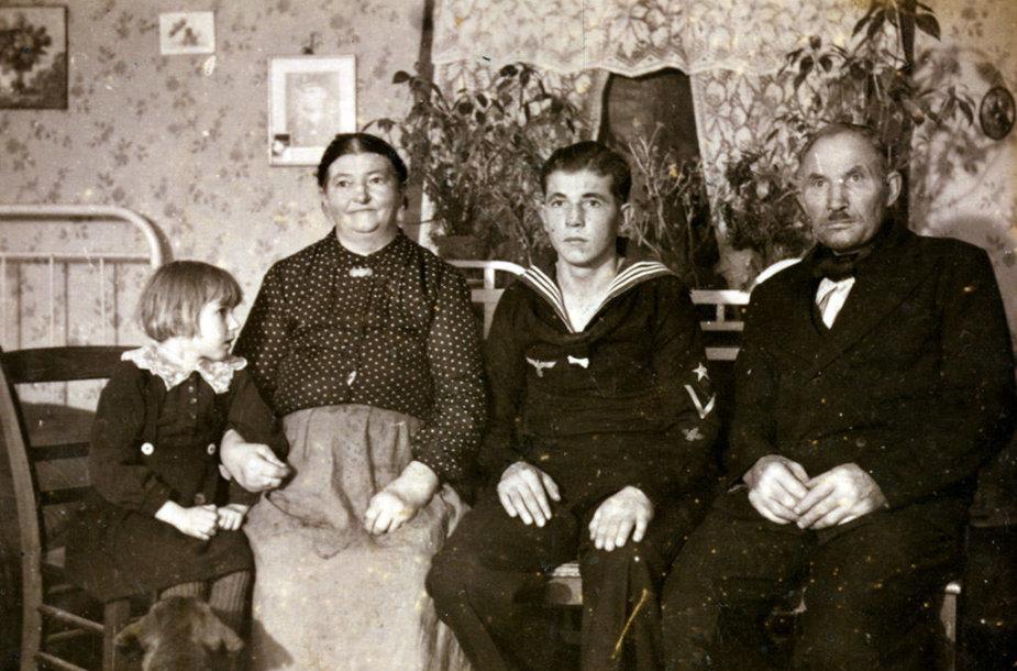 Senieji Kuršių nerijos gyventojai, 1942 m. nuotr.
