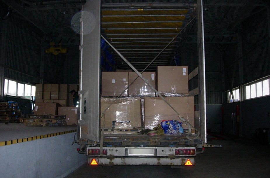 Muitininkai konfiskavo 30 tūkst. pakelių cigarečių