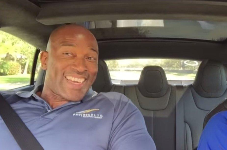 """Tesla Model S"" įsibėgėjimas"