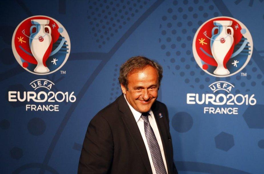 M.Platini pristatė būsimo čempionato logotipą