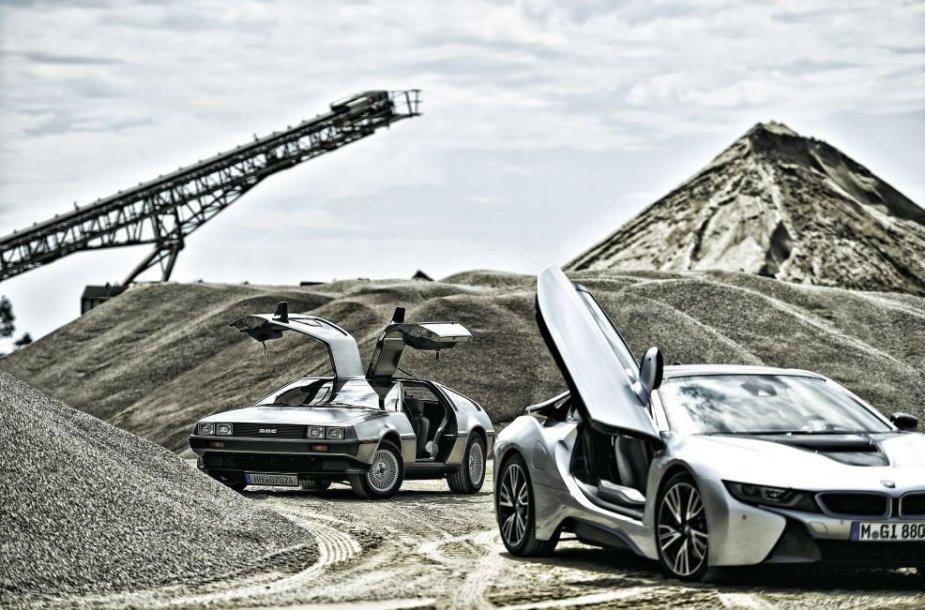 """BMW i8 ir """"DeLorean DMC12"""""""