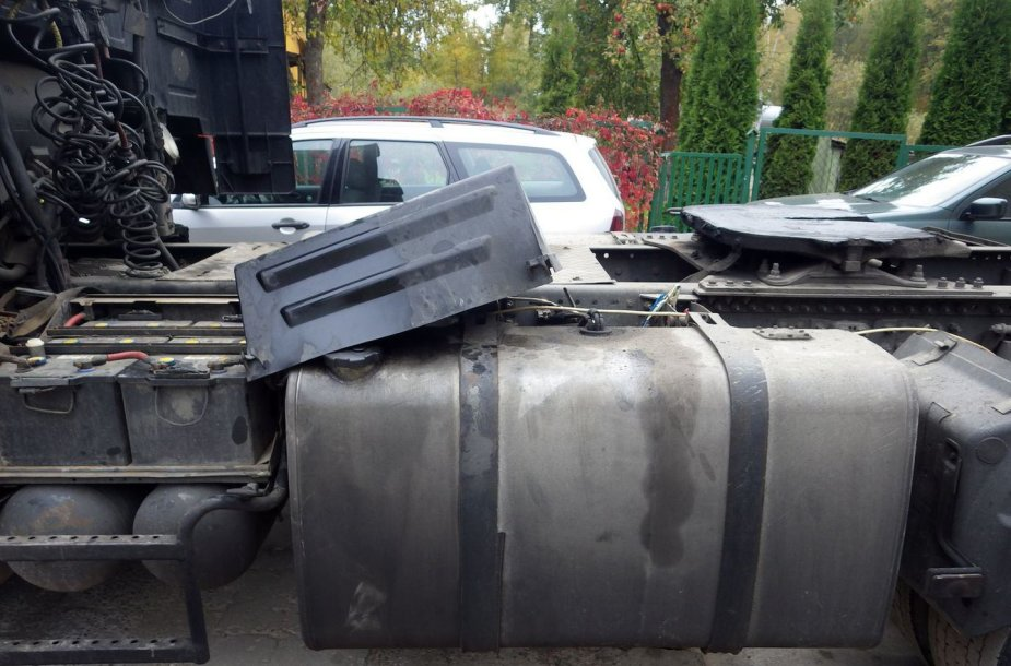 Kaune konfiskuota 1,5 tonos dyzelino