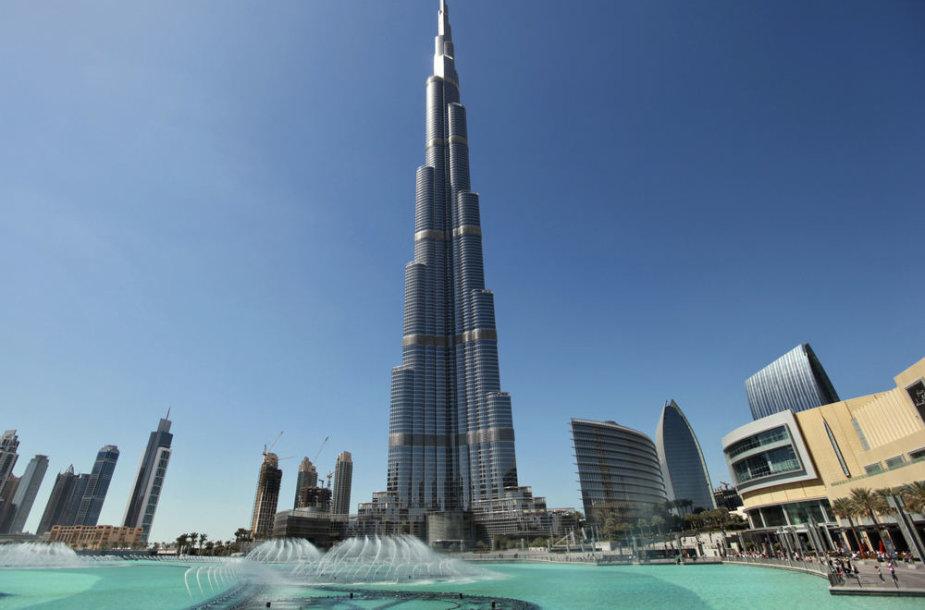 Dabartinis aukščiausias pastatas pasaulyje – Burj Khalifa, esantis Dubajuje