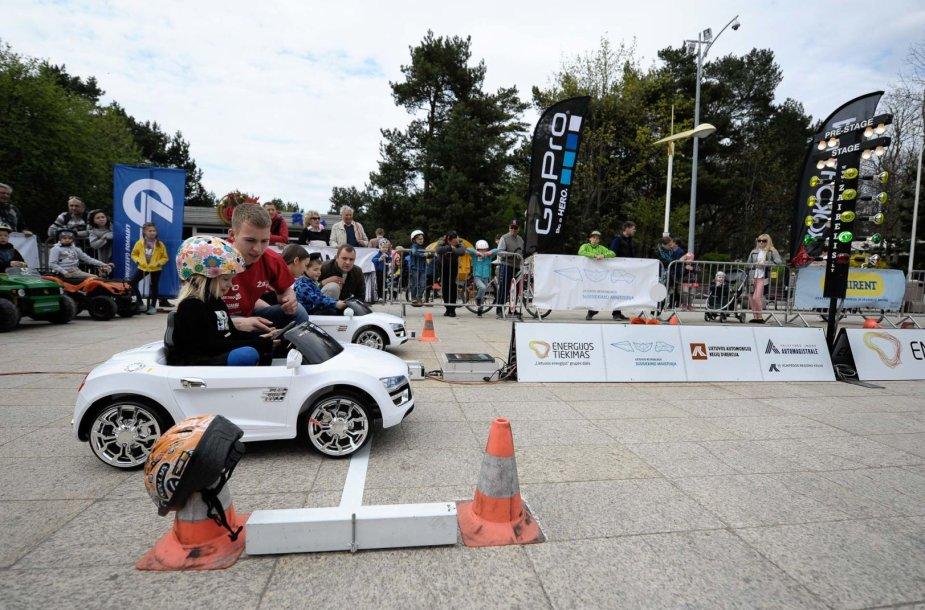 Vaikų elektromobilių varžybos