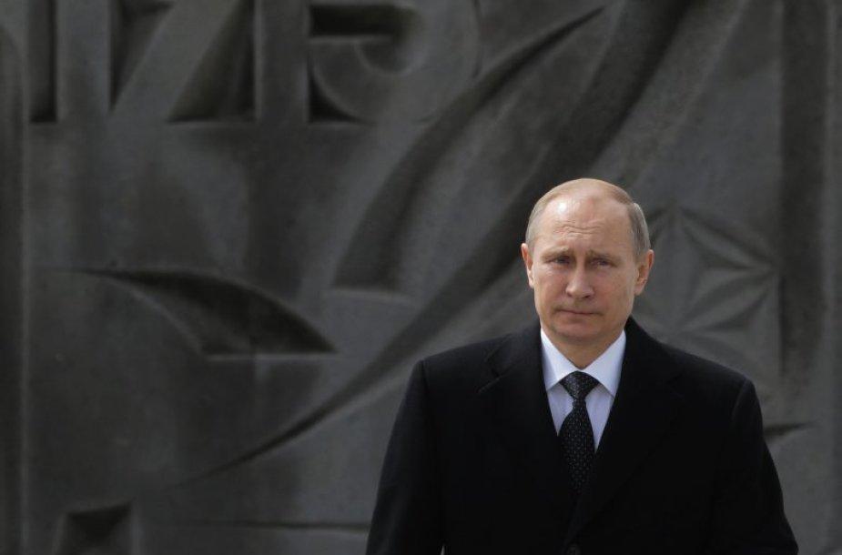 Vladimiras Putinas armėnų genocido 100-ųjų metinių minėjime.