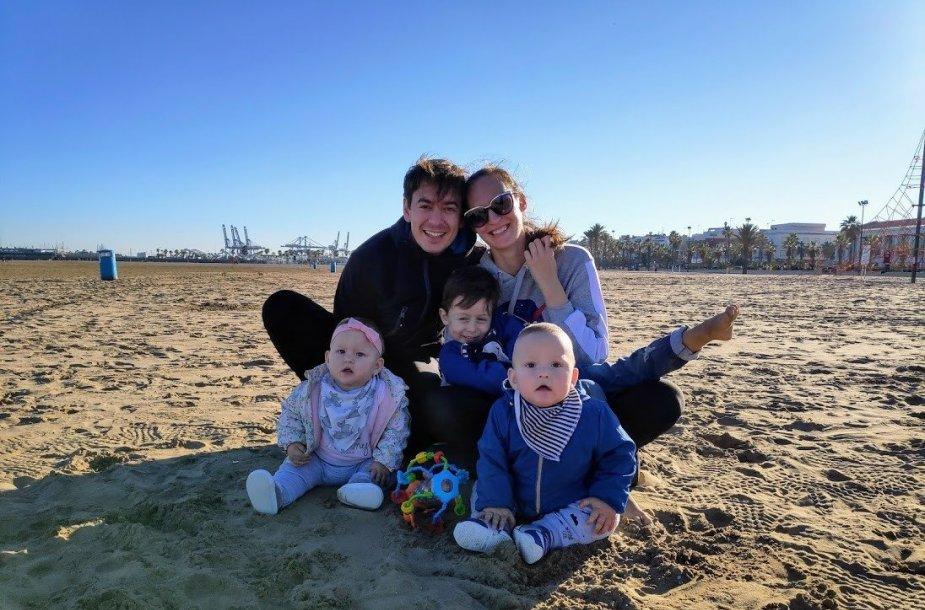 Ivanas ir Kristina su vaikais