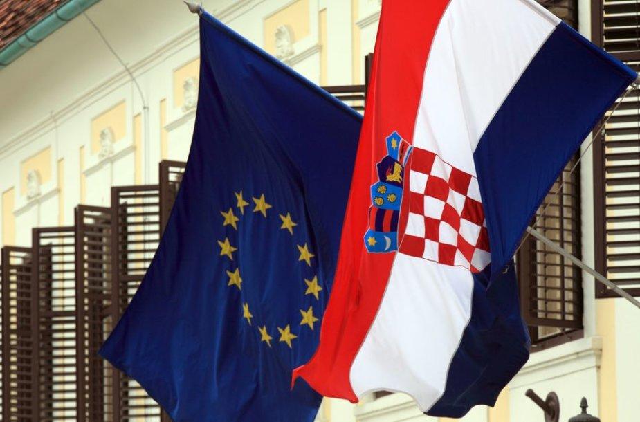 ES ir Kroatijos vėliavos