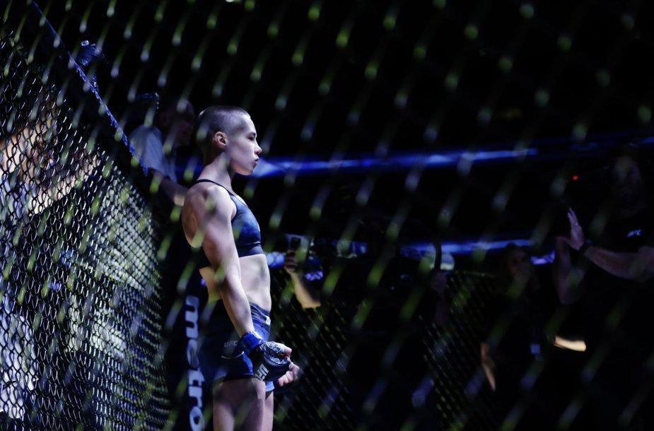 Rose Namajunas nokautavo Joanną Jedrzejczyk ir tapo UFC čempione.