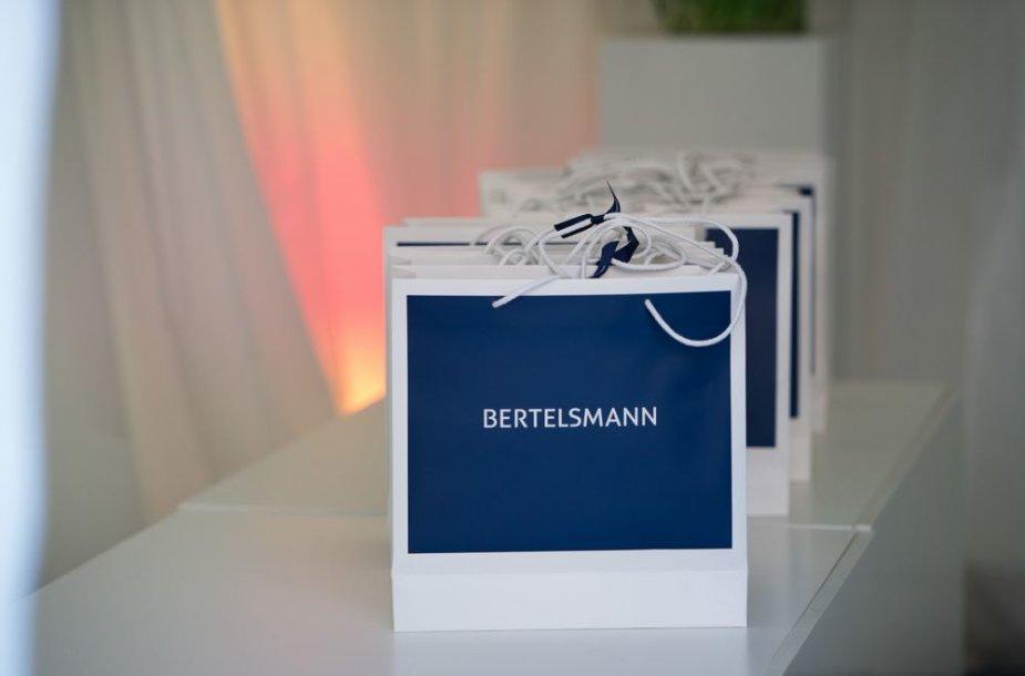 """Dovanų maišeliai su Vokietijos žiniasklaidos milžinės """"Bertelsmann"""" logotipu"""