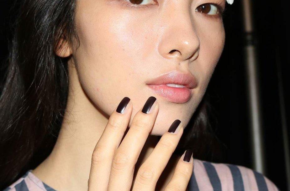 """Vera Wang"" modelio nagai"