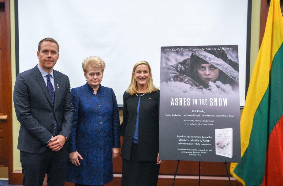 """Dalia Grybauskaitė dalyvavo filmo """"Tarp pilkų debesų"""" pristatyme Jungtinių Valstijų Kapitolijuje"""