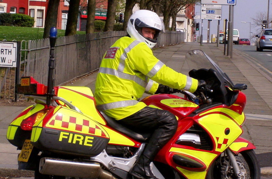 Jungtinės Karalystės ugniagesių motociklas. (John Bradley, Wikimedia(CC BY-SA 3.0)