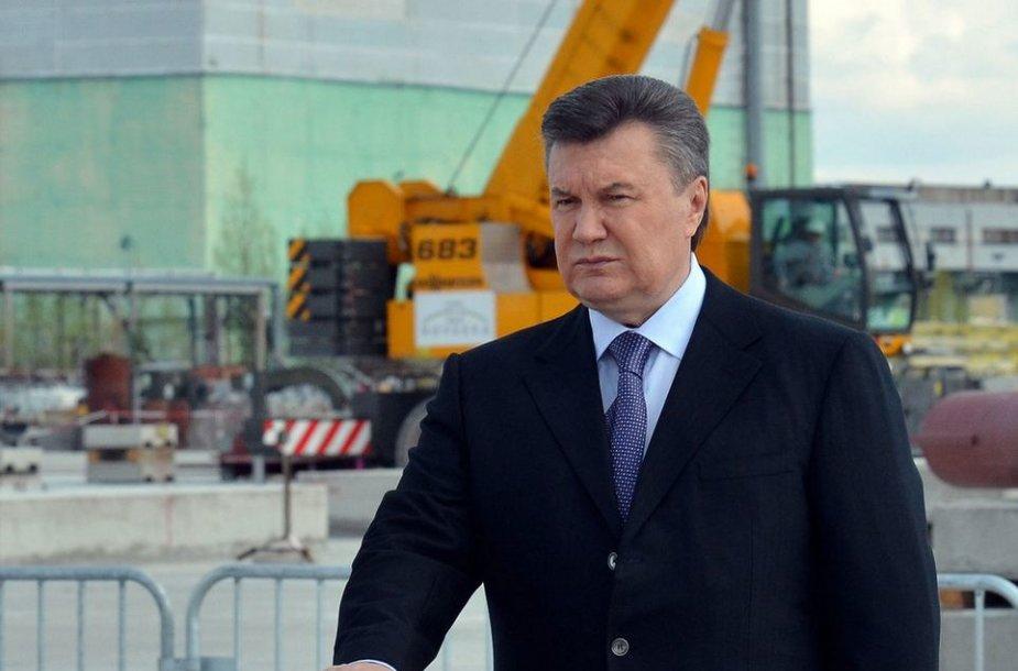 Ukrainos prezidentas Viktoras Janukovyčius prie Černobylio atominės elektrinės