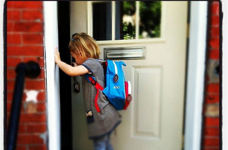 Į lietuviškas mokyklas emigrantų vaikai traukia vakarais bei savaitgaliais.