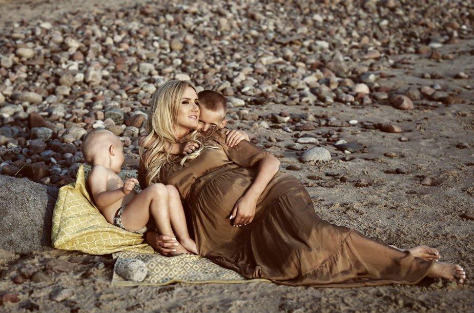 Rasa Stasionienė su sūnumis Nojumi ir Kristupu