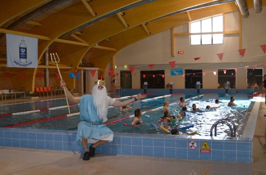Neptūno diena: Neptūnas-baseine