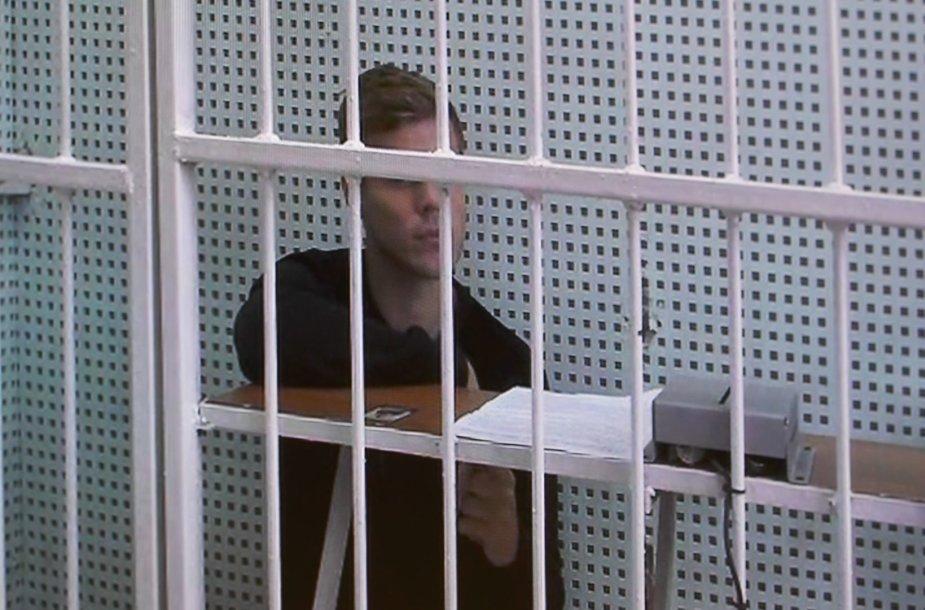 Aleksandras Kokorinas pasirodė Maskvos teisme.