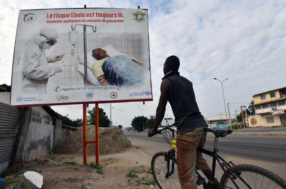 Ebolos virusas ir toliau siaučia Vakarų Afrikoje