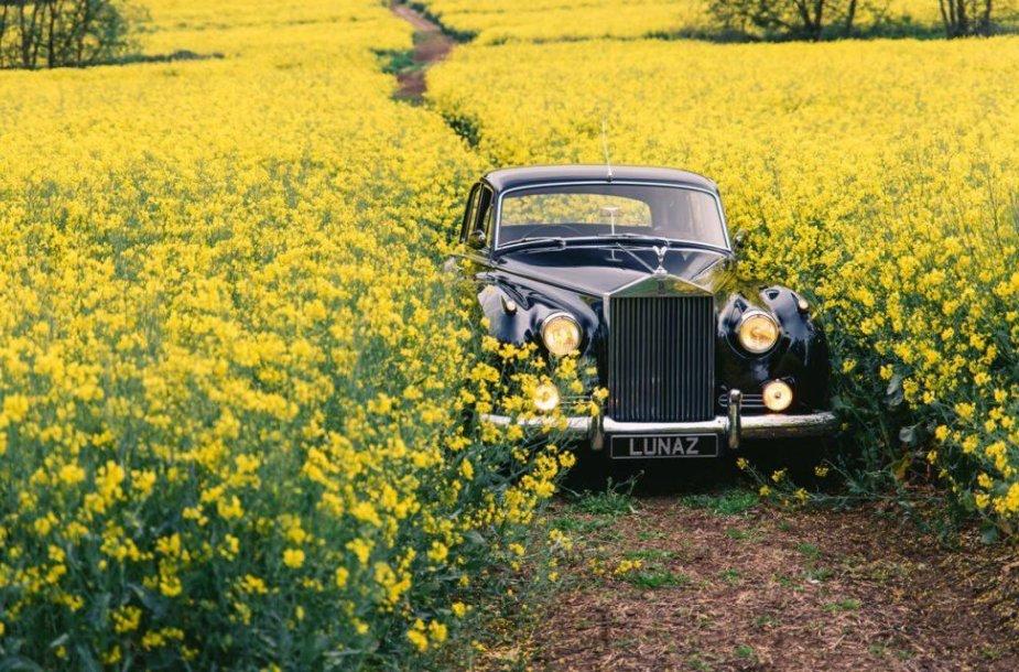 Išoriškai automobiliai išlaikys originalią išvaizdą. (Lunaz nuotrauka)