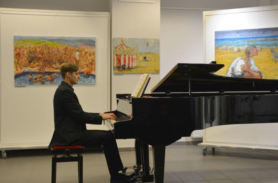 Varėnoje koncertas Čiurlionio muzikiniai keliai groj a K. Markevič