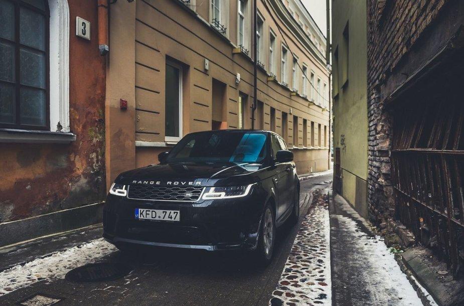 """Atnaujintas """"Range Rover Sport"""" turi nemažai nematytų sistemų"""