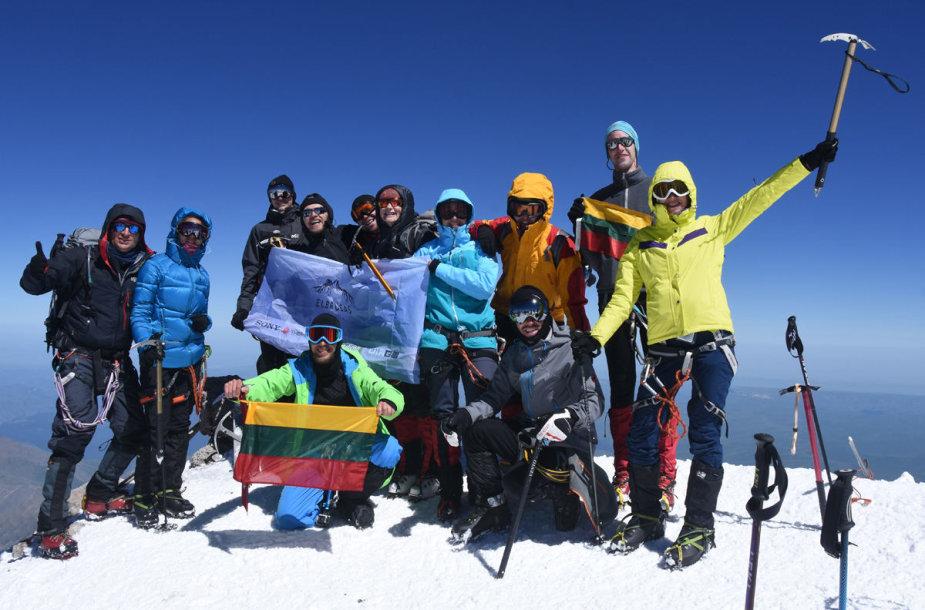 """""""Narsuolių"""" komandos kopimas į Elbrusą"""