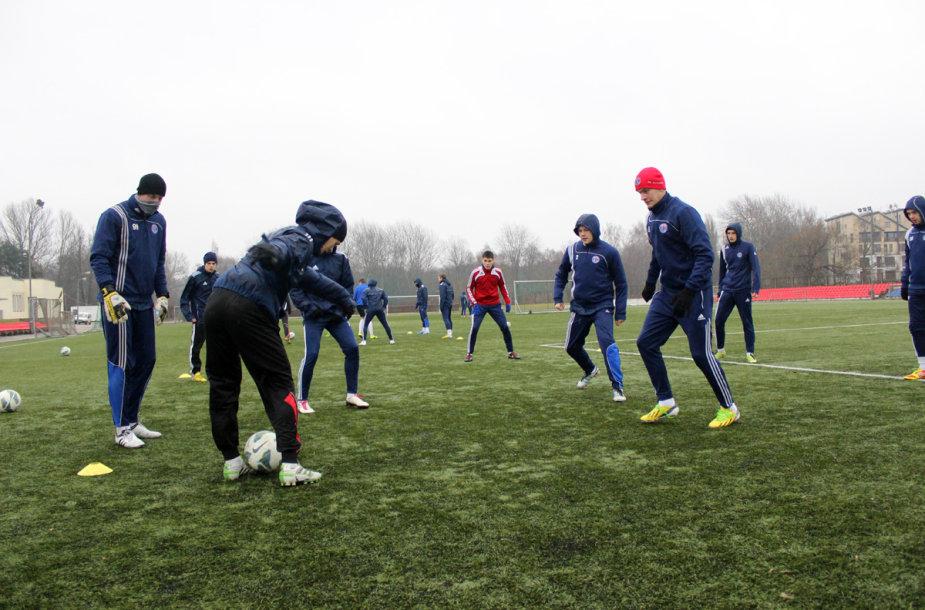 """Panevėžio """"Ekrano"""" futbolininkai treniruojasi"""