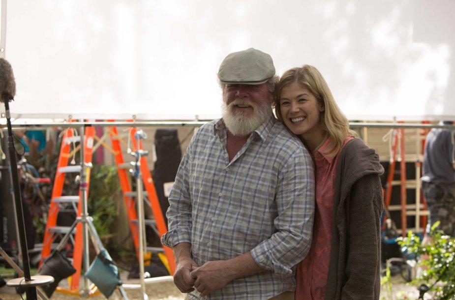 "Nickas Nolte ir Rosamund Pike filme ""Saldus kerštas"""