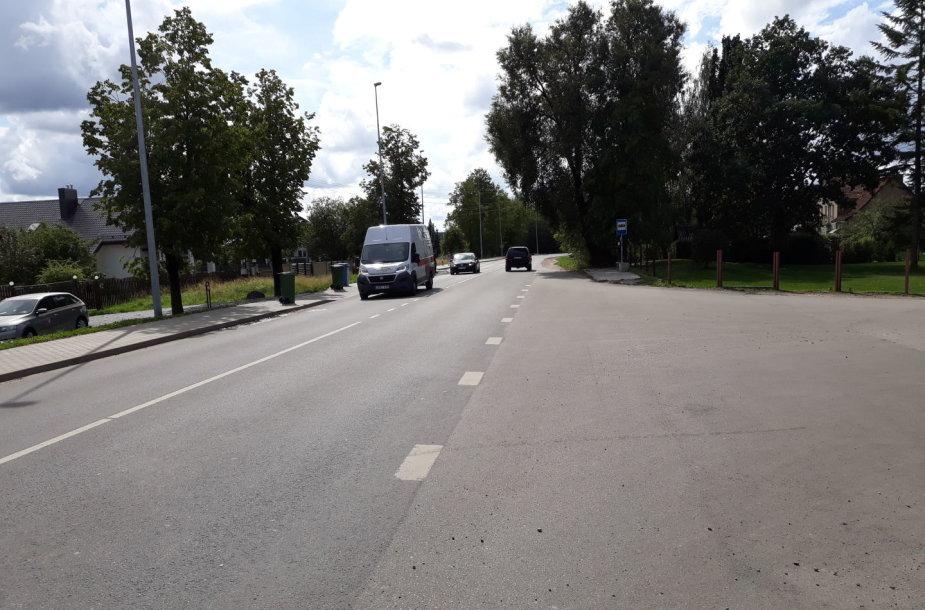 Kelias Noreikiškėse, kur prašoma įrengti pėsčiųjų perėją