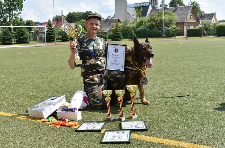 XXI-ojo tarnybinių šunų meistriškumo čempionato akimirka