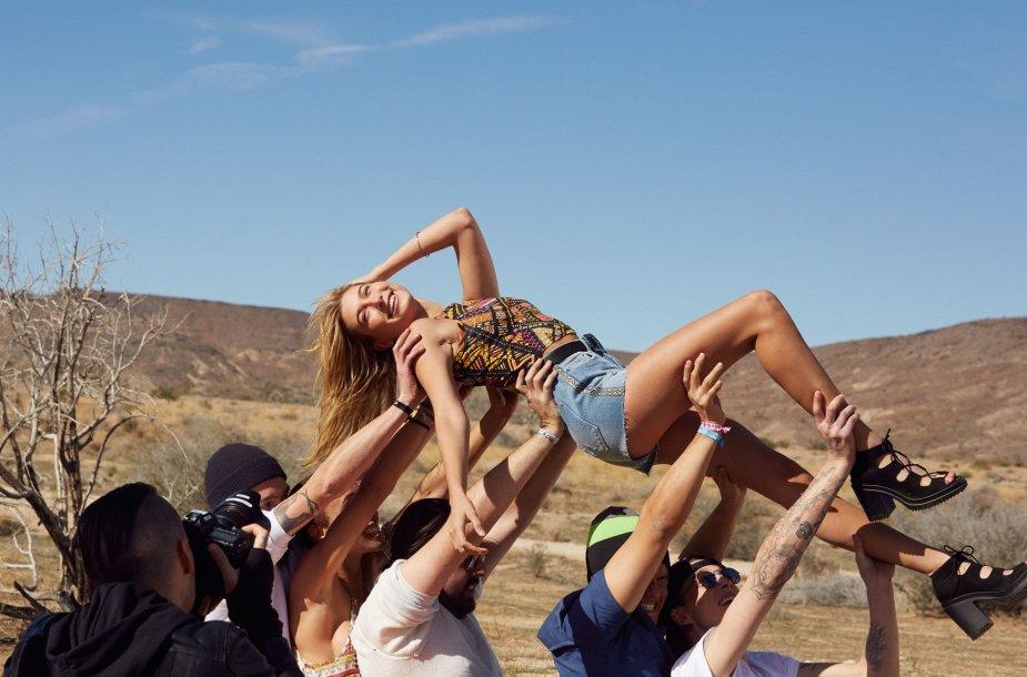"""""""H&M"""" linijos specialiai """"Coachella"""" festivaliui drabužiai"""